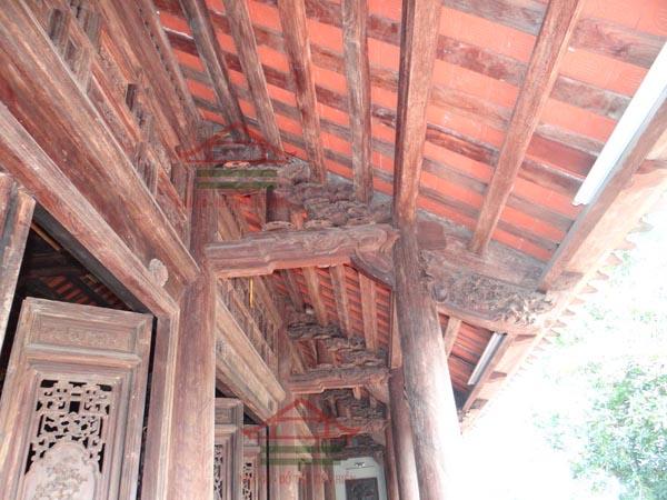 Kẻ hiên nhà gỗ Lim cổ